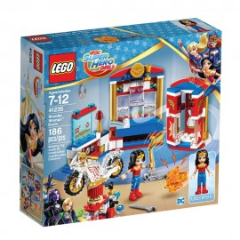 41235 Wonder Woman™ Dorm